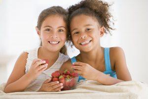 Tussendoortjes meisjes met aardbeien | Geniet MEER