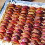 Pruimenplaatkoek in de maak recepten | Geniet MEER